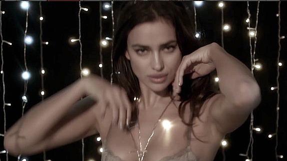 irina-shayk-lingerie-8
