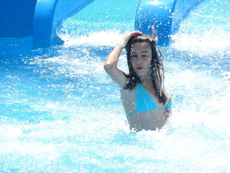 water_park_girls_06