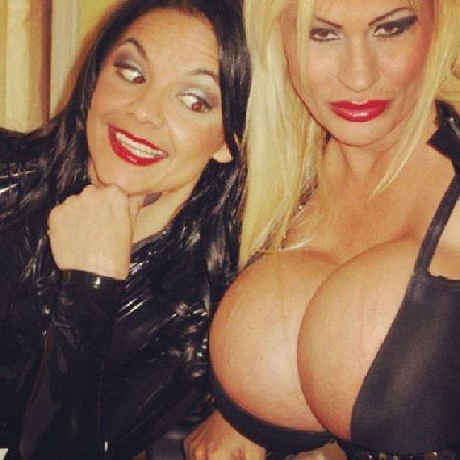 massive_boobs_20