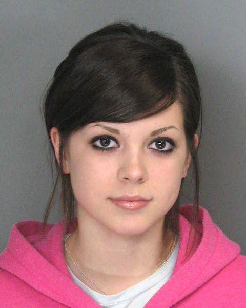 some_pretty_cute_criminals_in_mugshot_pics_640_55