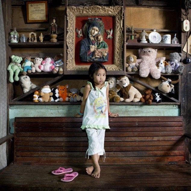 children_around_world_23