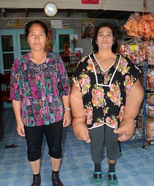 thai_woman_hands_07