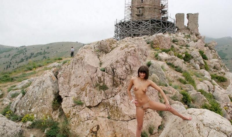Naked_4
