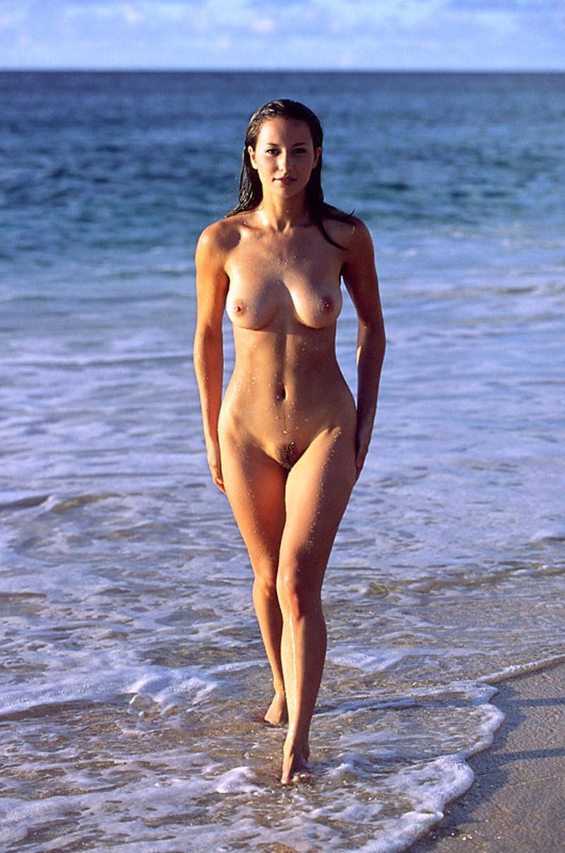 Hot Beautiful Naked Beach Babes HD