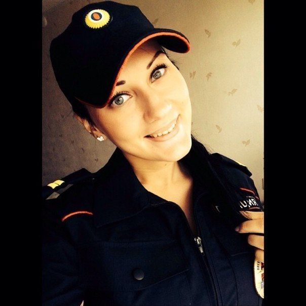 devushki-v-rjadah-policii_04