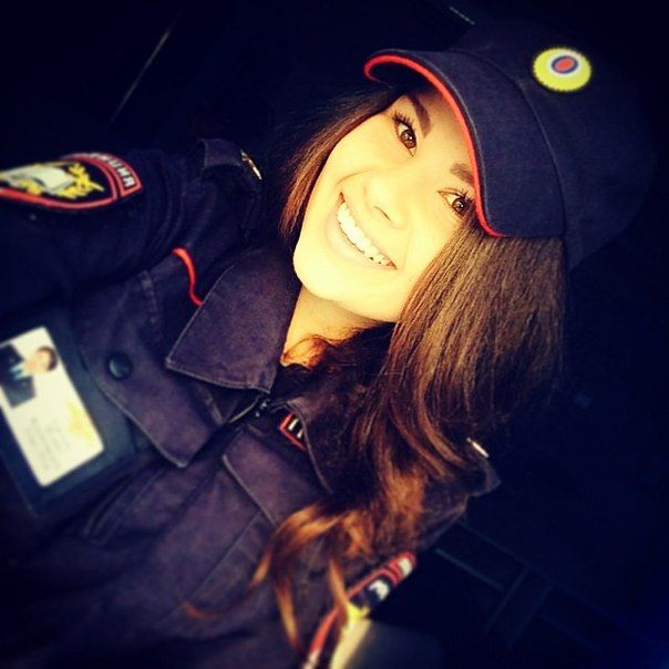 devushki-v-rjadah-policii_05