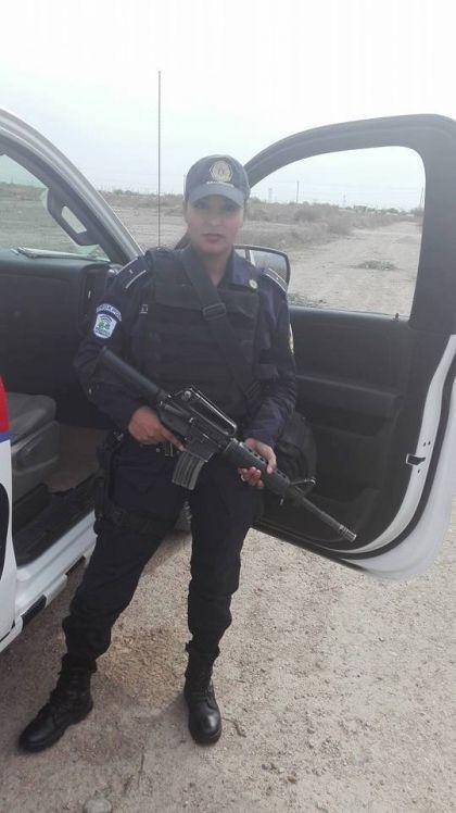 grud-meksikanskoj-policejskoj_02