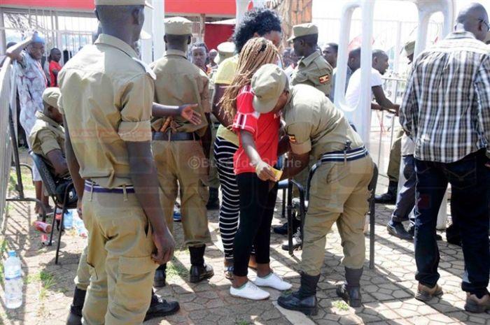 uganda_police_05