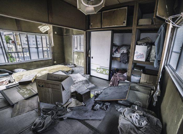 abandoned_shops_05