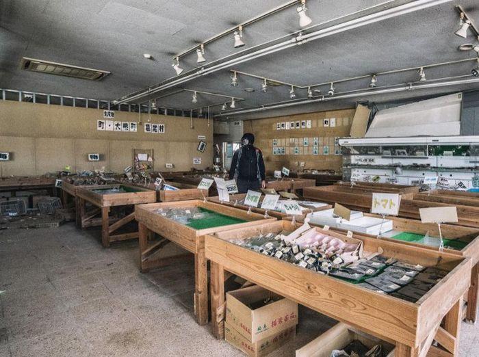 abandoned_shops_12