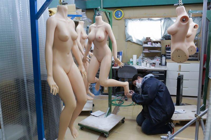 japonskaja-fabrika-seks-kukol_06