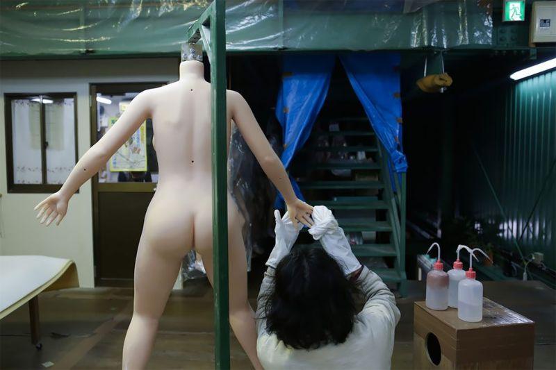 japonskaja-fabrika-seks-kukol_08