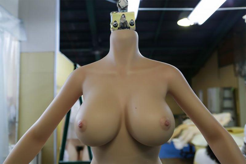 japonskaja-fabrika-seks-kukol_12