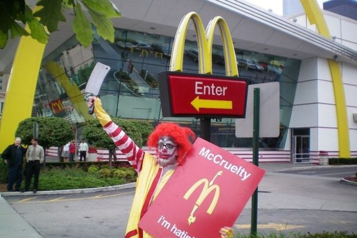 some_of_the_strangest_things_seen_at_mcdonalds_15