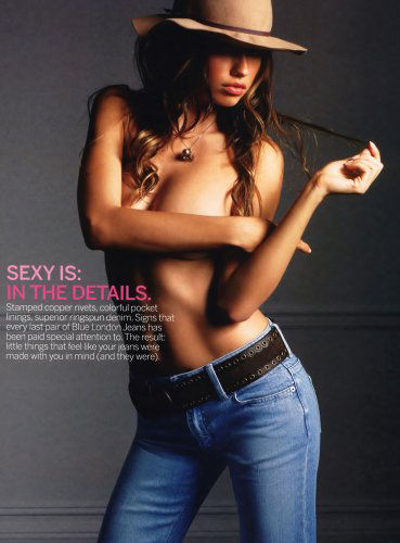 adriana-lima-hand-and-hair-bras-29