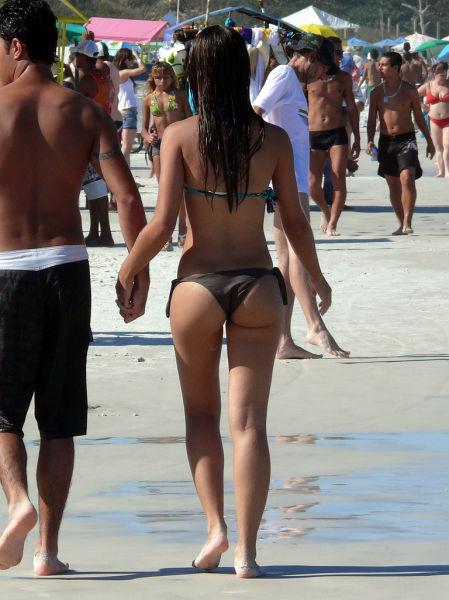 brazilian_women_and_their_booties_640_19