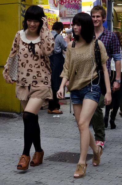 strange_japanese_womens_fashion_640_55