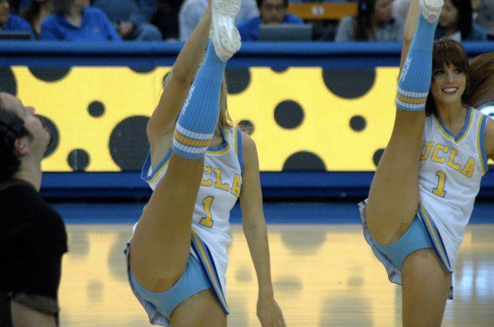 high_kicking_cheerleaders_18