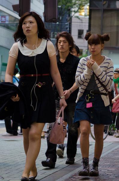 strange_japanese_womens_fashion_640_27
