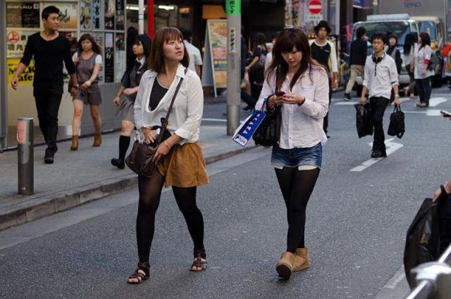 strange_japanese_womens_fashion_640_39
