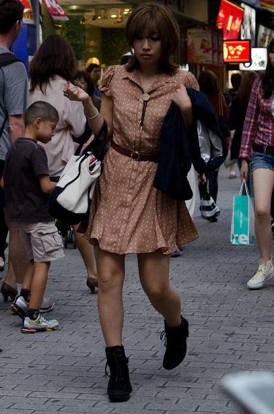 strange_japanese_womens_fashion_640_09