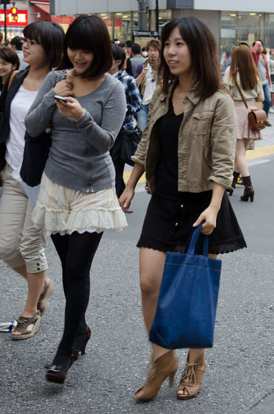 strange_japanese_womens_fashion_640_25
