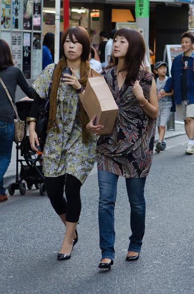 strange_japanese_womens_fashion_640_01