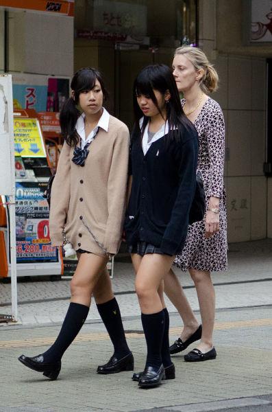 strange_japanese_womens_fashion_640_29
