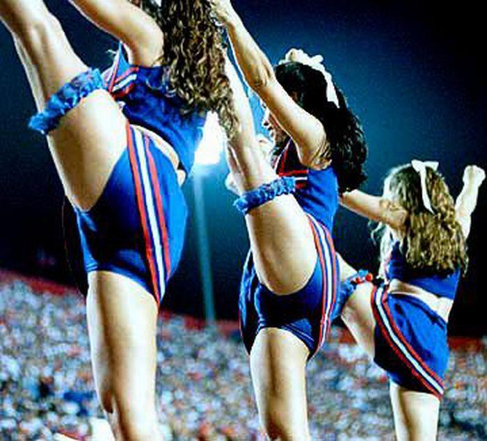 high_kicking_cheerleaders_46