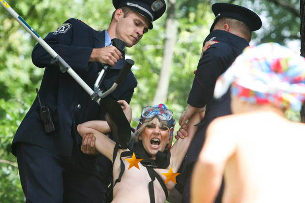 ukrainian-femen-topless-protesters-110