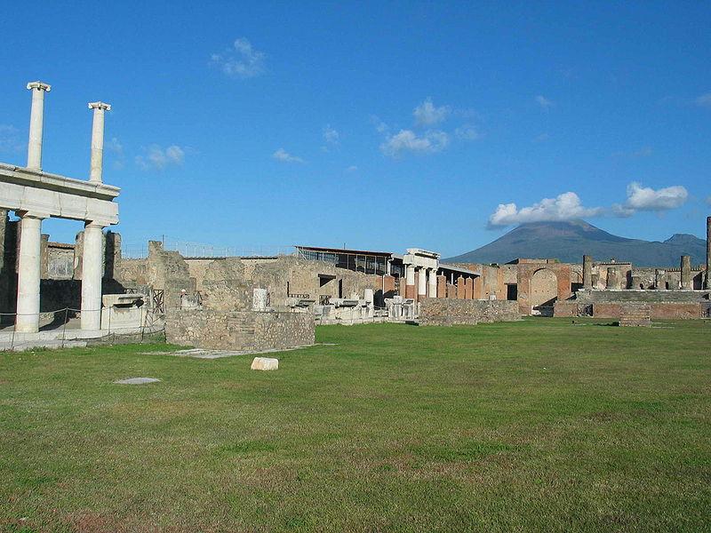 800px-Pompei_Forum