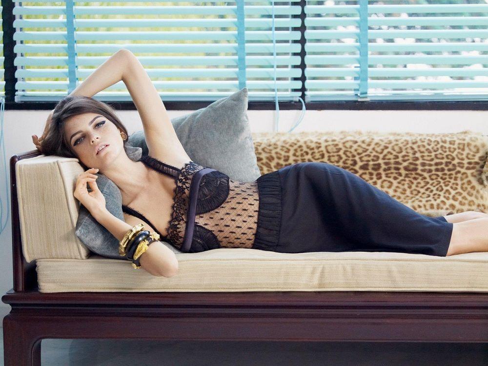 jeisa-chiminazzo-la-perla-lingerie-2012-7