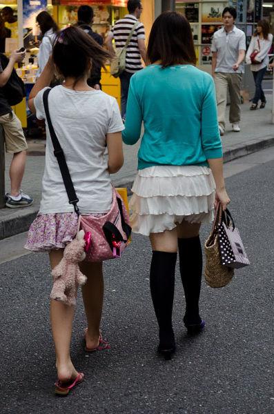 strange_japanese_womens_fashion_640_36