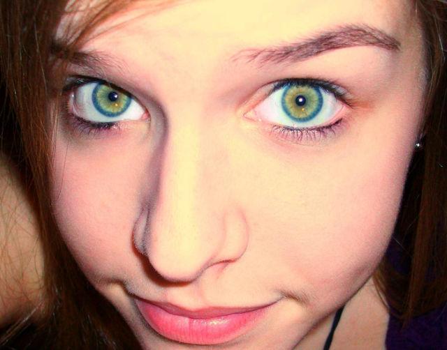 gorgeous_female_eyes_640_27