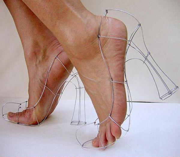 insane_hign_heels_640_09