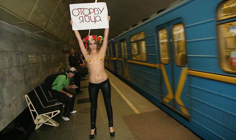 ukrainian-femen-topless-protesters-72