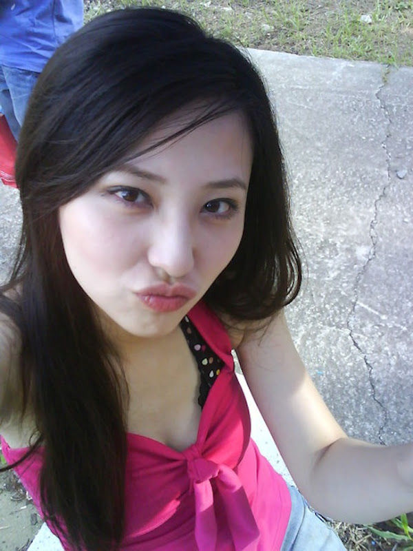 中国の美脚な美人女子大生のプライベートセックス画像が大量