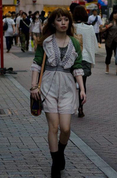 strange_japanese_womens_fashion_640_18