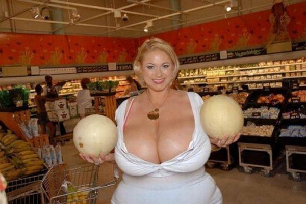 girls_with_xxxxxl_breasts_03