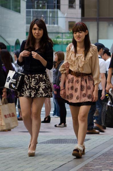 strange_japanese_womens_fashion_640_11