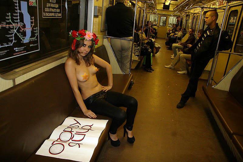 ukrainian-femen-topless-protesters-11