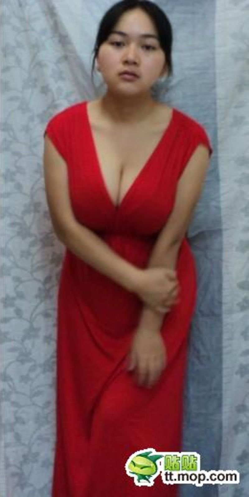 Девушка с большой грудью из китая