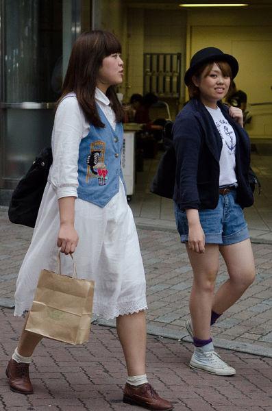 strange_japanese_womens_fashion_640_34