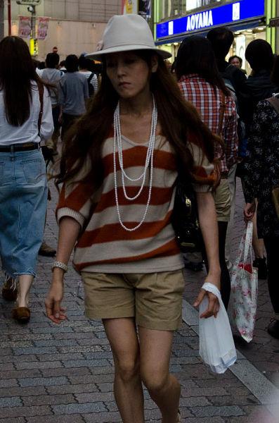 strange_japanese_womens_fashion_640_24