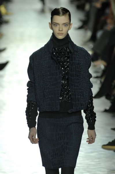 this_dolleyed_model_is_a_catwalk_sensation_640_17