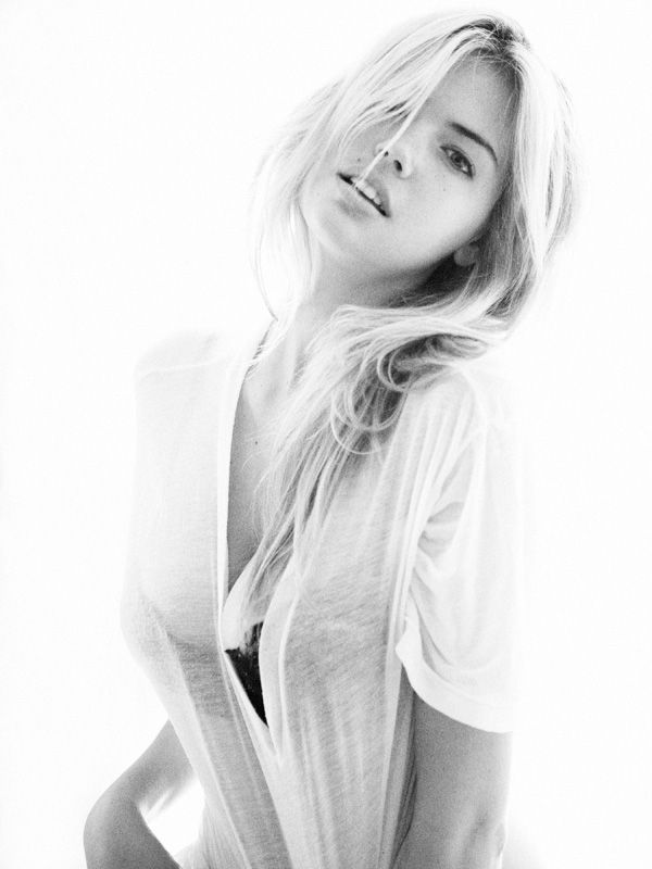 kate-upton-first-modeling-photos-15