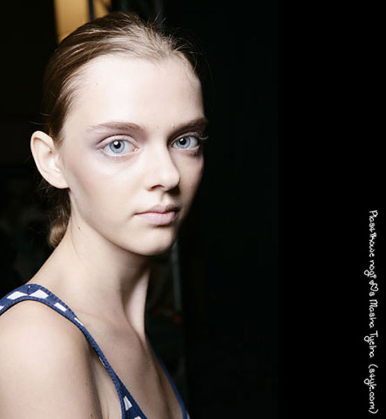this_dolleyed_model_is_a_catwalk_sensation_640_06