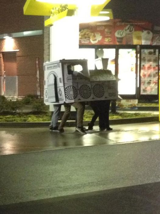 some_of_the_strangest_things_seen_at_mcdonalds_29