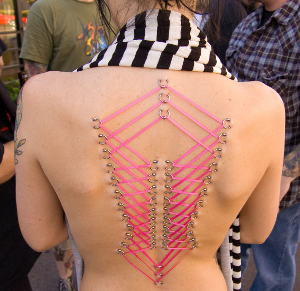 girls_overly_obsessed_with_body_modification_05