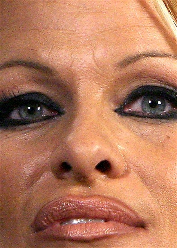 10_Pamela Anderson